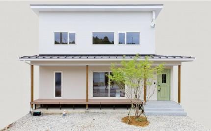 糸魚川市一の宮新築住宅|注文住宅|白を基調とした明るい家|ナチュラル|家族が集まる空間|つながりを意識した設計|黒板の壁