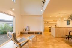 上越市新築住宅|注文住宅|シンプル|必要最低限|家族の気配を感じる