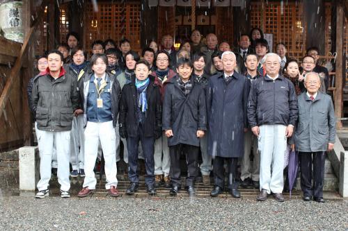 天津神社にて