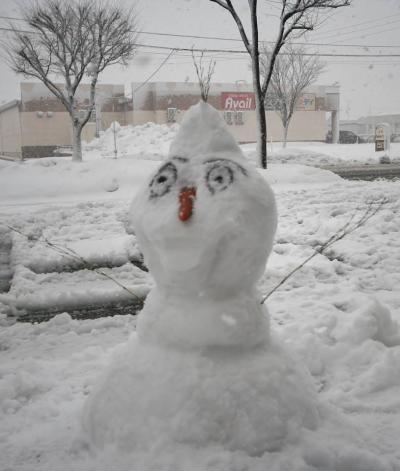 支店雪だるま