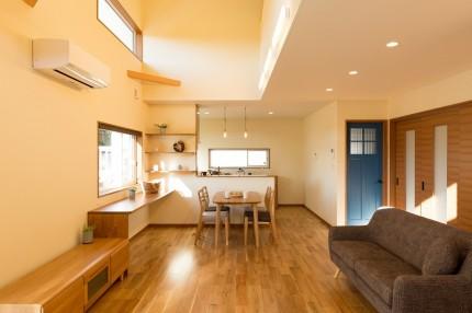 上越市大貫新築住宅|注文住宅|薪ストーブライフ|キッチン|リビングダイニング