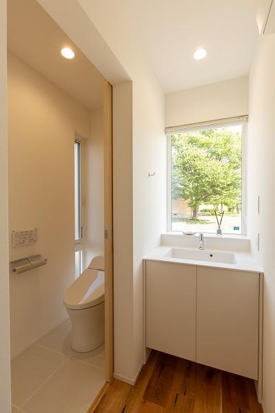 上越市新築住宅|注文住宅|ミニマリスト|シンプル|家を建てるのが夢|トイレ